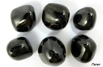 Камень гагат (черный янтарь): фото и свойства, кому подходит под знак зодиака