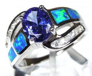 Серебряное кольцо с танзанитом и опалом