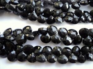 Черный камень название