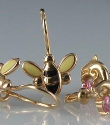 Как выбрать детские золотые серьги?