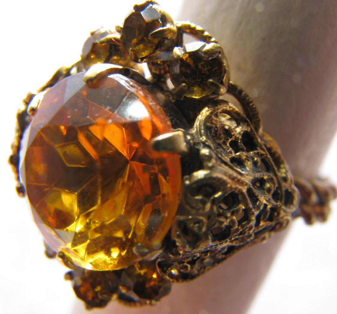 Драгоценные камни коричневого цвета