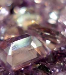 Фиолетовые топазы