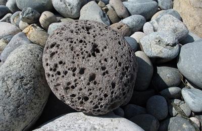 Лавовый камень