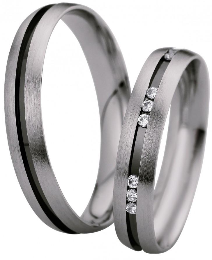 Серебряные обручальные кольца с бриллиантами