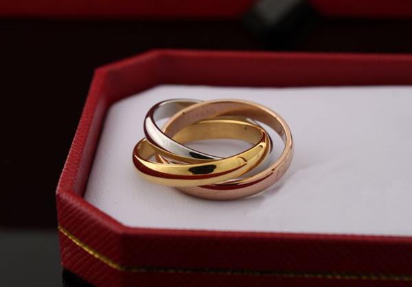 Кольцо Картье Тринити из трех видов золота